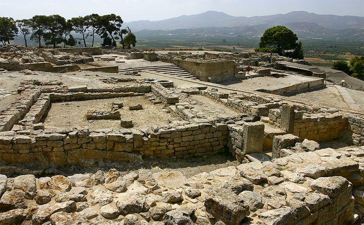 Der Palast von Phaistos bildet zusammen mit der dazugehörigen Palastanlage von Agia Triada das beeindruckendste minoische Zeugnis der Messara-Ebene.