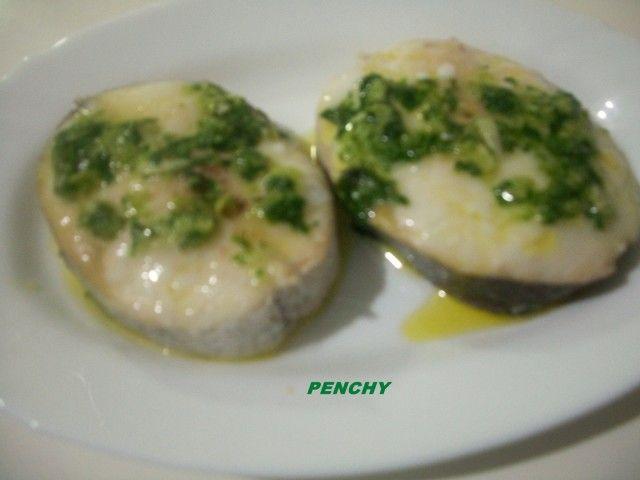 Rodajas de merluza al horno, en salsa verde