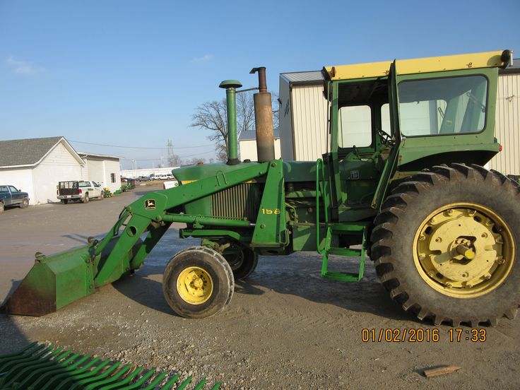 Souped Up Tractor : John deere equipped with loader