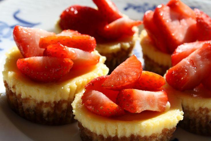 236 bedste billeder om Cheesecake = Ostekage dansk tekst på Pinterest | Ostekage, Mascarpone og ...