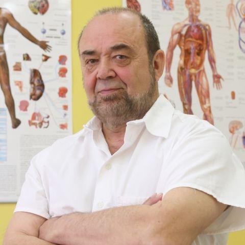 """Jeho jméno je v Česku pojmem. Doktor Josef Jonáš se u nás stal doslova synonymem pro alternativní medicínu. """"Svět je řízen informacemi a ty prostě vidět..."""