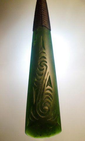 Engraved Toki Drop Shane MacIntosh Greenstone Pounamu Jade Maori Necklace Pendant Aotearoa New Zealand #newzealand #aotearoa #maori