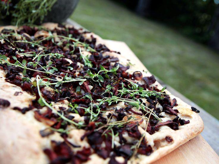 Focaccia med kantareller och bacon | Recept från Köket.se