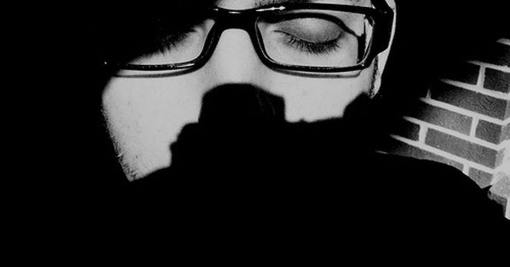O que O.D. & O.S. significam em um exame oftalmológico?. A Medicina e o Direito possuem raízes na Roma antiga e usam muitos termos latinos e abreviaturas. Na oftalmologia, o ramo da medicina que trata dos olhos, O.D. e O.S. são abreviações comumente usadas referindo-se ao olho direito e esquerdo.