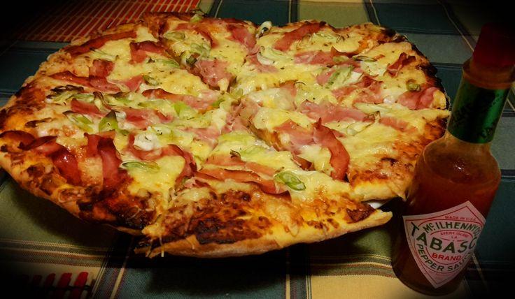 Rajongok az olasz konyháért. Tésztát tésztával! Pizzát, pizzával :) Amíg kel a pizza tésztája, (amit egyébként kb. 5 perc alatt össze lehet dobni :) ) könnyedén lefutom a laza fél órás távomat. És még a pizzának is lesz helye :)    Hozzávalók: A…