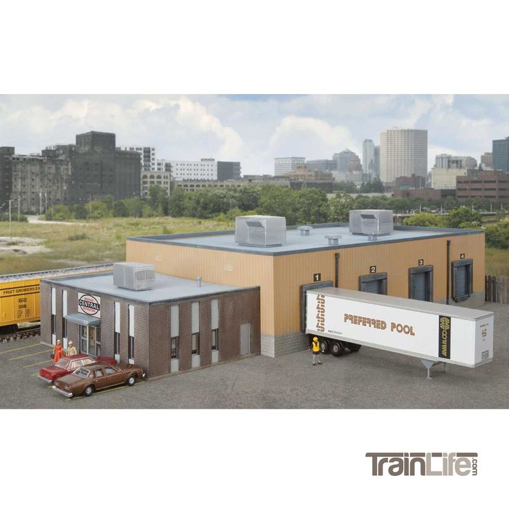 N Scale: Central Beverage Distributors with Office Annex - Kit