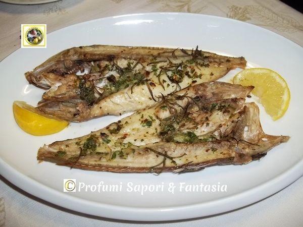 Gallinella di mare al forno ricetta facile, pochi ingredienti reperibili in casa e una marinata con erbe aromatiche per avere un' ottimo pesce saporito.