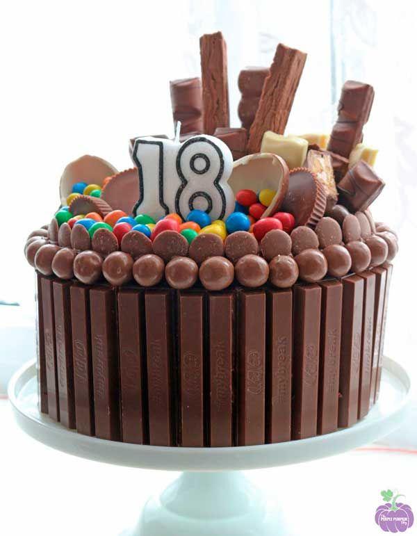 Cómo Hacer Una Tarta De Chuches Fácil Paso A Paso Pequerecetas Tortas De Cumpleaños De Chocolate Tarta De Cumpleaños Casera Tartas Caseras