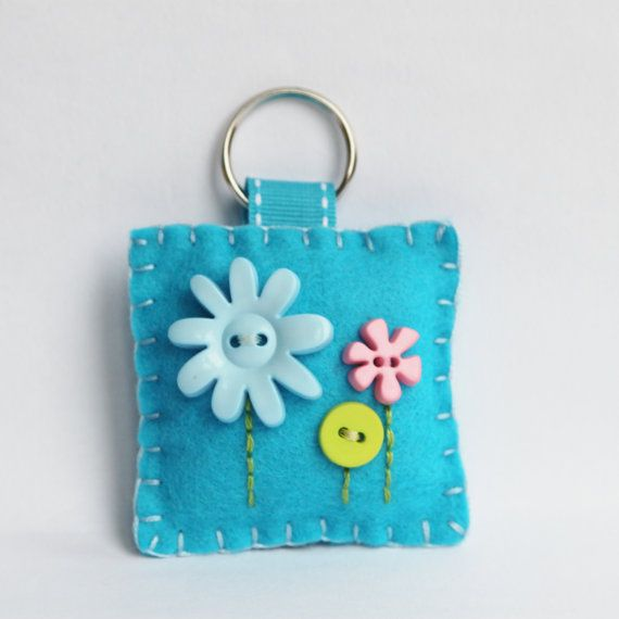 Hey, I found this really awesome Etsy listing at https://www.etsy.com/listing/160379952/felt-key-chain-blue-flower-button