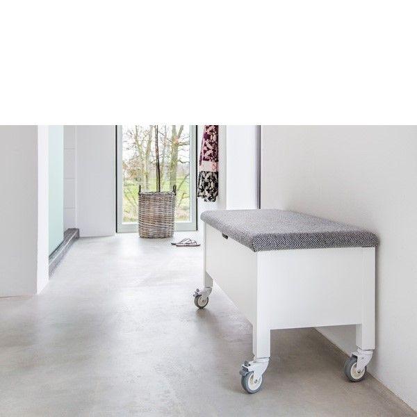 Hall / Övrigt / Klinte Hallbänk med hjul - Bergmans möbler