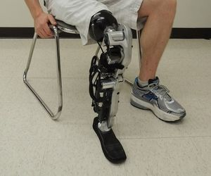 Cool Stuff We Like Here @ CoolPile.com ------- << Original Comment >> ------- See the world's first mind-controlled prosthetic leg in action