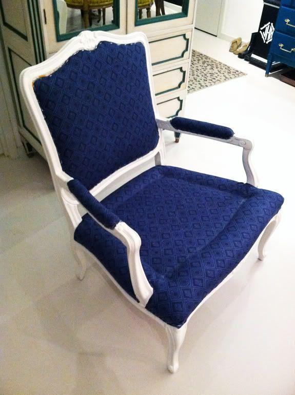 Little Green Notebook: How to Reupholster a Chair, Part 3: Stapling
