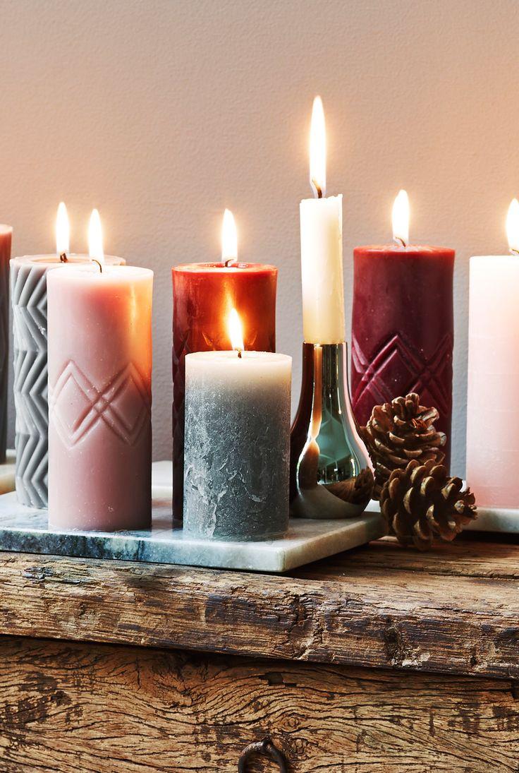 Intet er mere stemningsfuldt i vintermørket end levende lys. Vores fine kollektion fra Broste er i en klasse for sig: smukke levende skulpturer du kan placere i klynger eller hver for sig. #inspirationdk #inspiration #jul #juledekoration #christmas #Broste #light #christmaslights #julelys