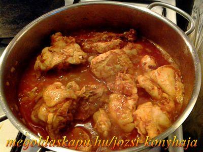 2.) Egyszerű csirkepörköltök http://megoldaskapu.hu/csirke-receptek/egyszeru-csirkeporkolt
