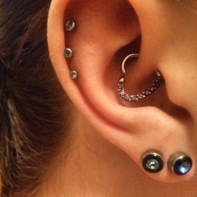 16 Gauge CZ Heart Right Closure Daith Cartilage Tragus Earring