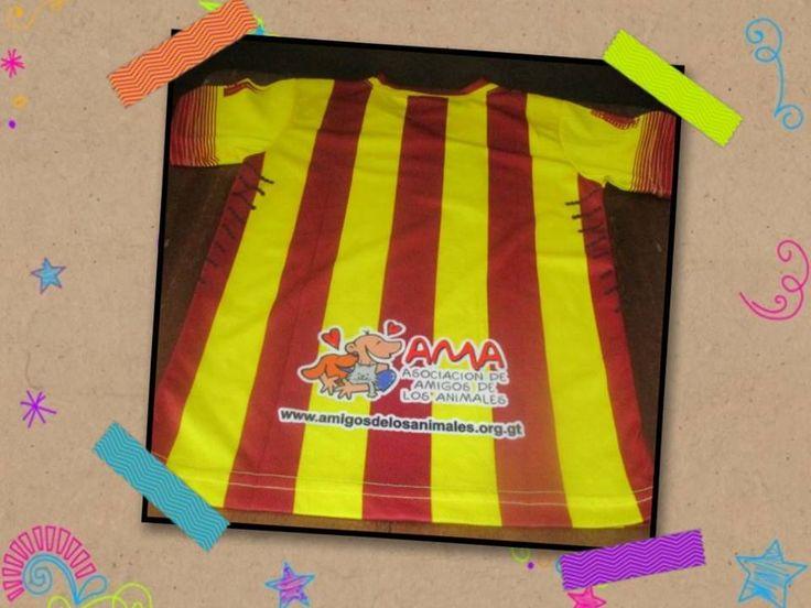 Atención fanáticos del Barca!   ¡Esto es para ti! Camisas con el logo de AMA y de tu equipo de futbol favorito, disponibles en 6 diferentes tamaños.