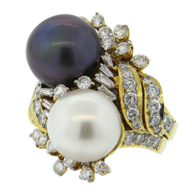 Gucci South Sea Pearl Diamond Gold Cocktail Ring