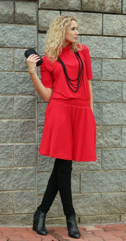 Červené zvonové šaty zelené šaty asymetrie asymetrické šaty