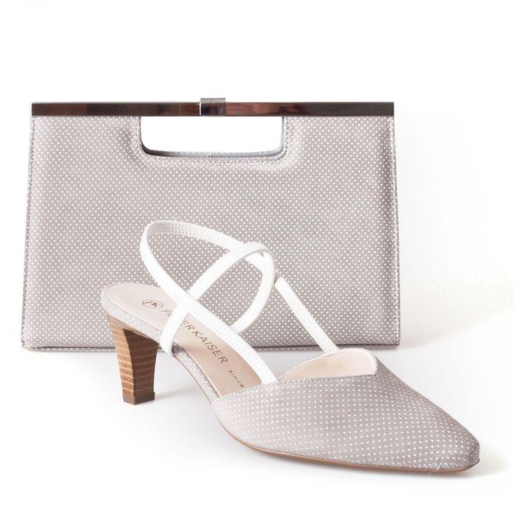 Fris Peter Kaiser sandaaltje met polka dots die in het tasje terugkomen, voor een trendy jaren '50 look, perfect tot in de puntjes!
