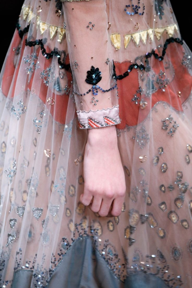 "parisfashionhouse: ""Valentino Fall/Winter 2016/17 Couture details """