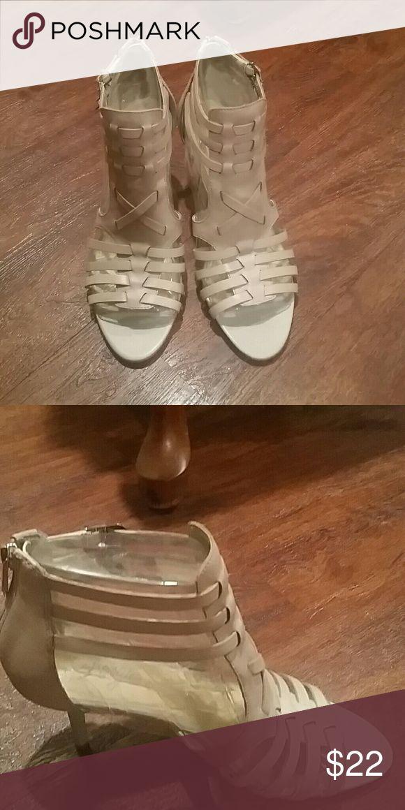 Fergie Heels Beige Shoes
