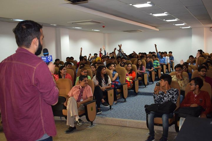 Making people laugh is by no means an easy job but for stand-up comedian #Anmol Shukla (Second Runner Up #NDTV Rising Stars  of Comedy 2016 / Winner at Comedy Fiesta IIT Delhi 2016)  it comes naturally. And this was pretty evident when he appeared #LIVE for a comedy act in at RNB Global University #Bikaner.  It was obviously high on humour and the #jam-packed hall. Within minutes of #Anmol Shukla coming on stage everyone went on a laugh ride as he cracked one #joke after the other. He left…