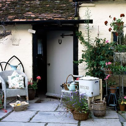 63 best ideas about english cottage on pinterest english for English courtyard garden design