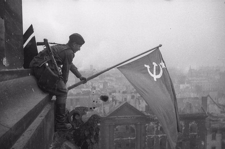 ФЛАГ СССР НАД РЕЙСТАГОМ!!!ПОБЕДА!!!