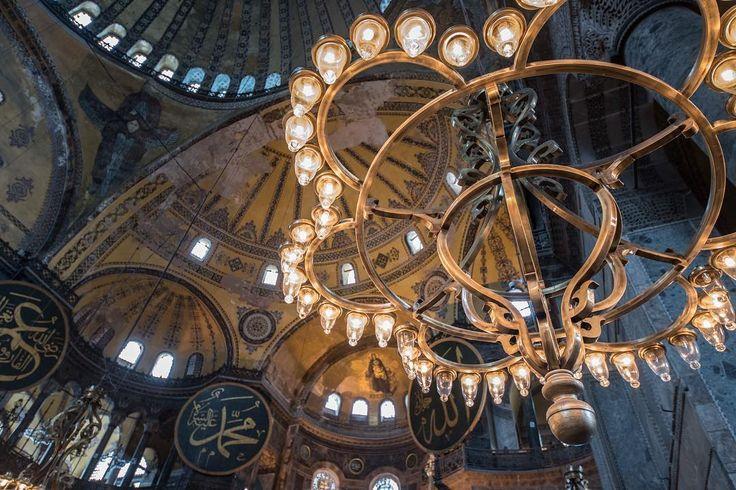 #アヤソフィア #イスタンブール #トルコ #ニコン #モスク #hagiasophia  #ayasofya #mosque #turkey #���� #Nikon #d750 #travel #travelphoto #travelphotography #カメラ好きな人と繋がりたい #写真好きな人と繋がりたい #ファインダー越しの私の世界 http://tipsrazzi.com/ipost/1500306540011490530/?code=BTSKNljlIzi