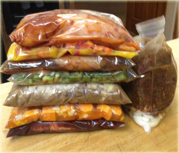 Easy Homesteading: 8 Easy Crock Pot Freezer Meals