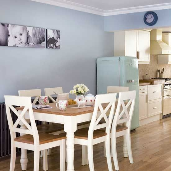 kitchen - love this table & the pic's on the wall