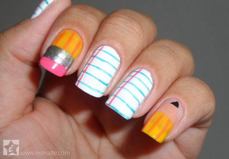 Unhas Decoradas - Lpis e Papel  | See more at http://www.nailsss.com/acrylic-nails-ideas/3/