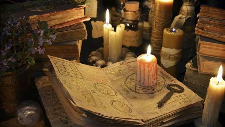 La fiesta de Halloween motiva a muchas personas a realizar distintos rituales