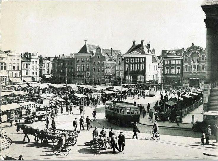 Groningen<br />De stad Groningen: De Grote Markt in 1912