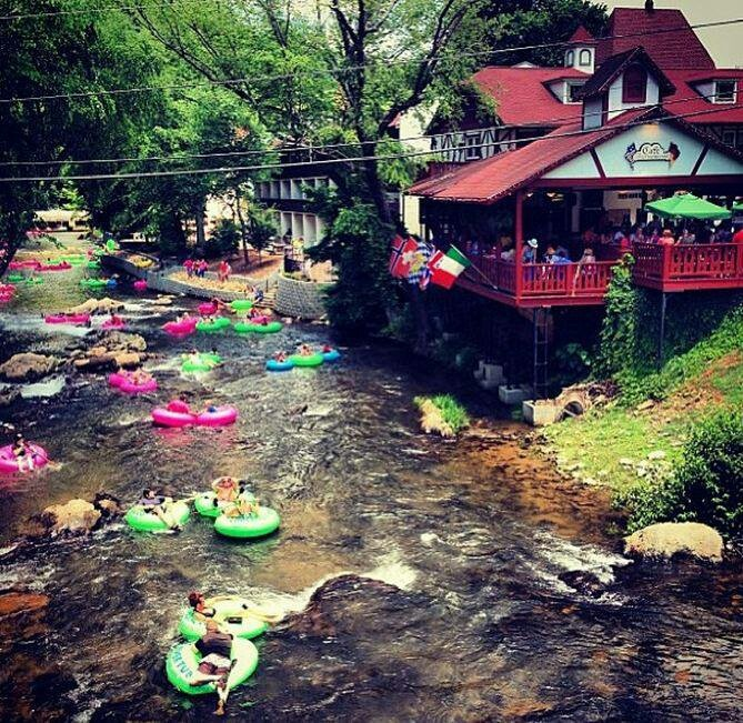 Helen - ah, yes, the site of many a family vacation for us.  And who can forget tubing down the Chattahoochee River?