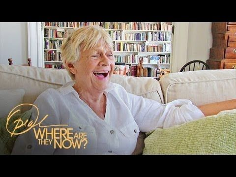 How 87-Year-Old Left-handed Oscar Winner Estelle Parsons Defies Age | Where Are They... #LefthandersIntl http://Left-handersInternational.com