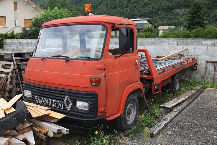 SAVIEM oldtime platform tow wrecker truck