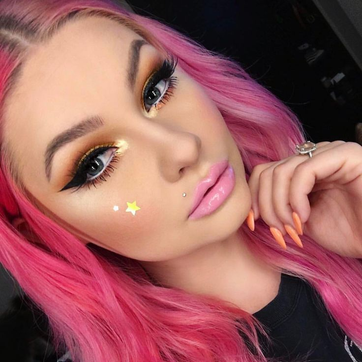 @alyssamarieartistry CONTOUR: ABH Stick Foundation in Fawn and Powder Contour shades Fawn and Java HIGHLIGHT : ABH Cream Contour Kit in Fair shade Soft Light GLOW: Sweets #GlowKit in shade Marshmallow LIPS: Pastel Pink Lipgloss #anastasiabeverlyhills