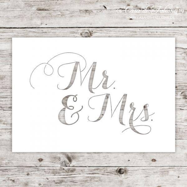 Karte Lasercut Mr. und Mrs.: Eine ganz besondere Karte mit lasergeschnittenem Schriftzug. Die Karten sind bestempelbar und auch für ausgefallene Geschenkverpackungen ...