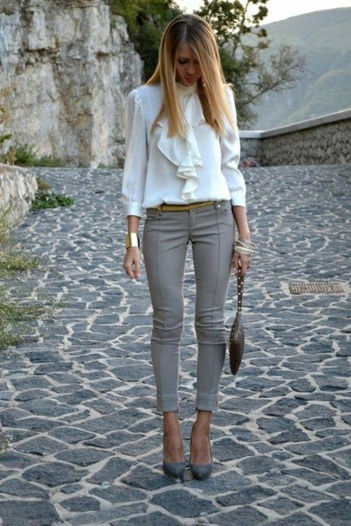 business kleider weise elegante bluse graue hose graue hohe schuhe kleine braune tasche