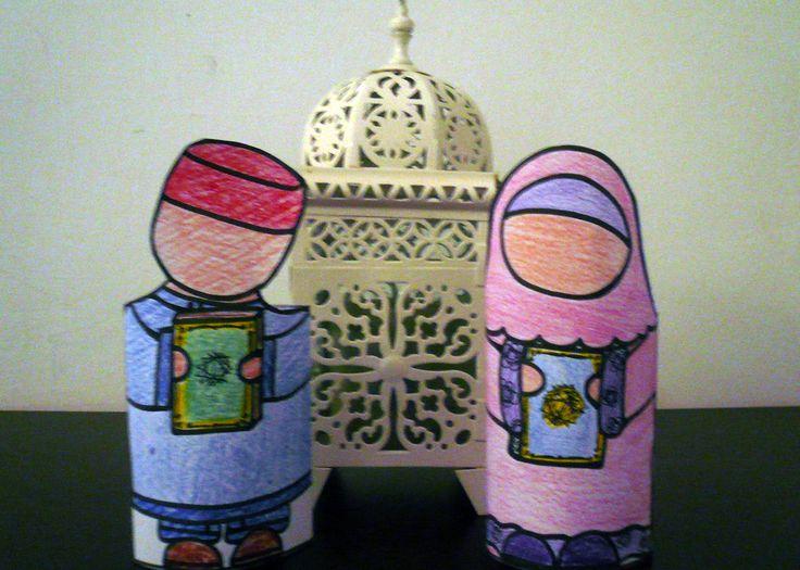 paper doll et leur Coran ,à imprimer ,colorier ,decouper,coller.Une activité simple pour le Ramadan ,le mois du Coran.