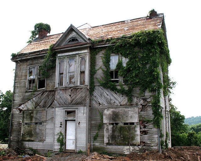 Abandoned house at rt 11 w main st salem virginia the for Salem house