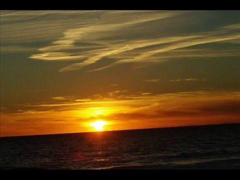Fotos de: Islas Baleares - Ibiza - Cala D'Hort - Puesta de sol - 18-2-2011