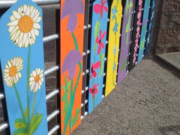 Decorating The Gate Peterhead Scotland Fence Design