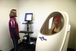 Body Composition test in the BODPOD. Fast and accurate determination of fat mass to fat-free mass ratio.