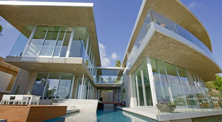 Avicii's Bird Streets mansion in Los Angeles has an impressive facade.   (McClean Design)