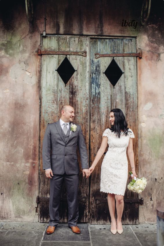 5 NECESSARY ITEMS TO BRING YOUR OUTDOOR WEDDING SHOOT Eloping NewOrleans Photography