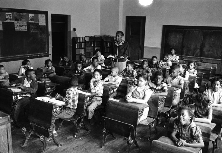 segregated schools 1950s - 1024×707