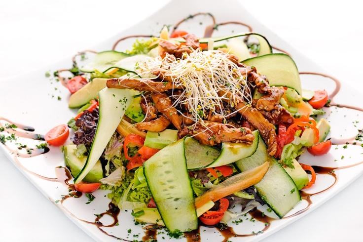 Sticky sesame chicken salad