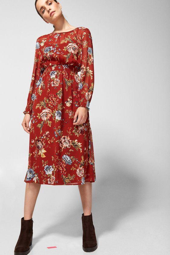a81f7e49e Springfield: Vestido midi estampado flor grande (vermelho). De manga  comprida com decote redondo, abertura nas costas com laço e corte no cós  com elástico.